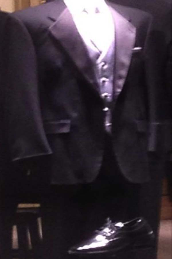 Looking+for+a+snazzy+tux%3F+Rent+one+from+Men%27s+Warehouse.