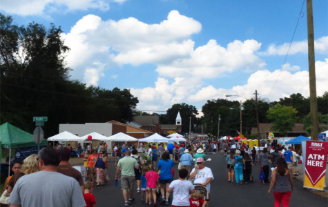 Citizens browse the many areas of the festival.