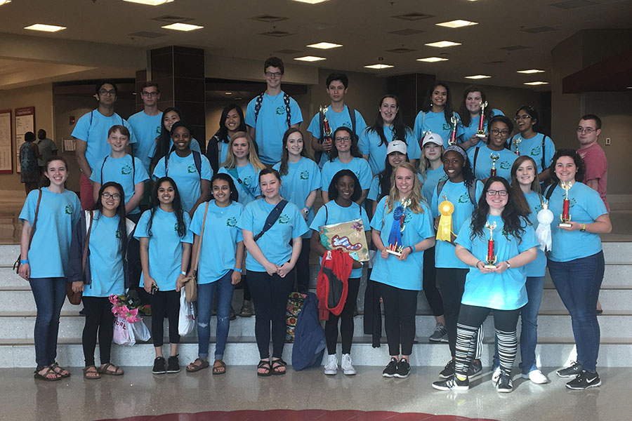 Spanish Club Excels at Spanish Convention