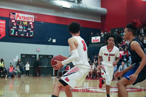 Patriots Defeat Austin High School's Black Bears